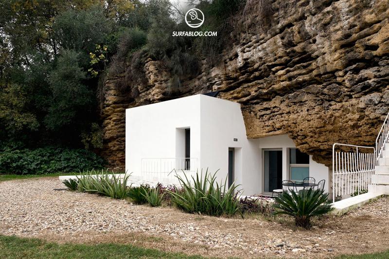 La Casa Nella Roccia.Surfablog La Casa Nella Roccia
